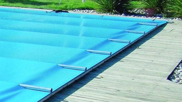 B che hivernage aix piscine for Bache de protection piscine